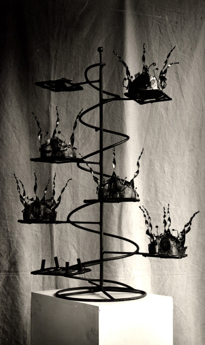 CROWN TREE