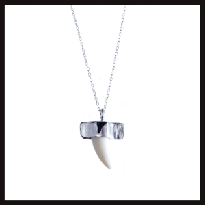 ethnic-punk-tooth-pendant-b