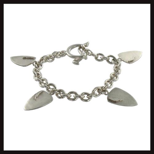 Feathers Shield Bracelet